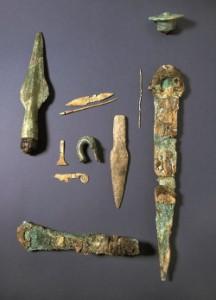 Funde aus einem bronzezeitlichen Grab in Hüsby bei Flensburg