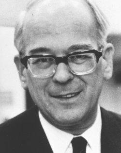Ernst Siegfried Hansen. Er spielte eine zentrale rolle beim Neuanfang der deutschen Minderheit nach dem Zweiten Weltkrieg