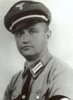 Ernst Szymanowski (1899 - 1986) wechselte 1936 den Talar gegen die SS-Uniform