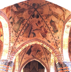 Die Kirche von Büchen im Lauenburgischen gehört zu den wenigen im Lande, deren prachtvolle Ausmalung die Zeitläufe überstanden hat