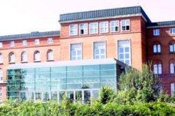 Der neue Plenarsaal von der Fördeseite gesehen