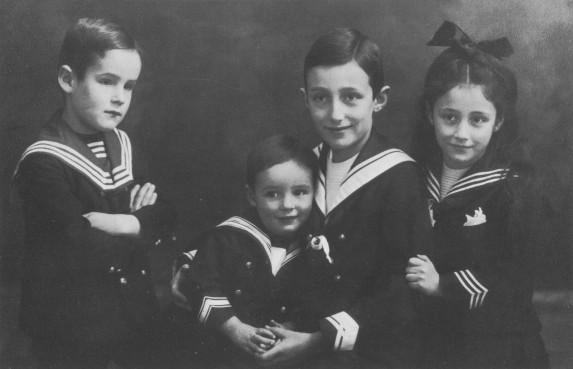 Maritimer Kinderlook 1910