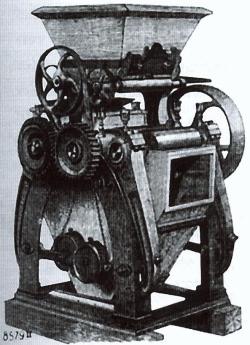"""1873 erfand der Schweizer Friedrich Wegmann den """"Walzenstuhl"""". Gegeneinander laufende Zylinder quetschen nun das Korn. Die Technik löst die Mühlsteine ab, die zwischen Boden- und Läuferstein das Mahlgut schnitten."""