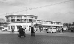 Der runde Bau mit Café prägte den ZOB von 1955 bis zu seinem dritten Umbau 1998