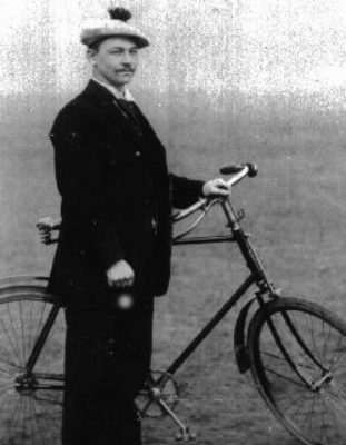Das Fahrrad als Emanzipationsvehikel und als Sportgerät, um 1897