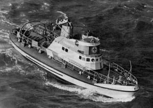 """Schwer beschädigt aber mit laufender Maschine wurde die """"Adolph Bermpohl"""" am 24. Februar 1967 gefunden"""