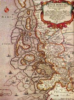 Die Karte von Johannes Meyer aus Husum zeigt das nordfriesische Wattenmeer vor der Zweiten Manndränke 1634: noch gibt es die große Insel Strand, die mit der Flut in Nordstrand und Pellworm geteilt wird